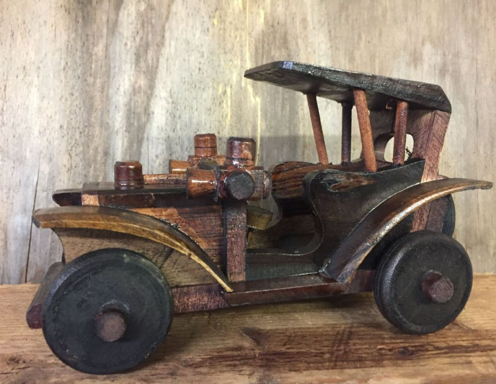 Hand Crafted Wood Classic Saloon Car with Turning Wheels